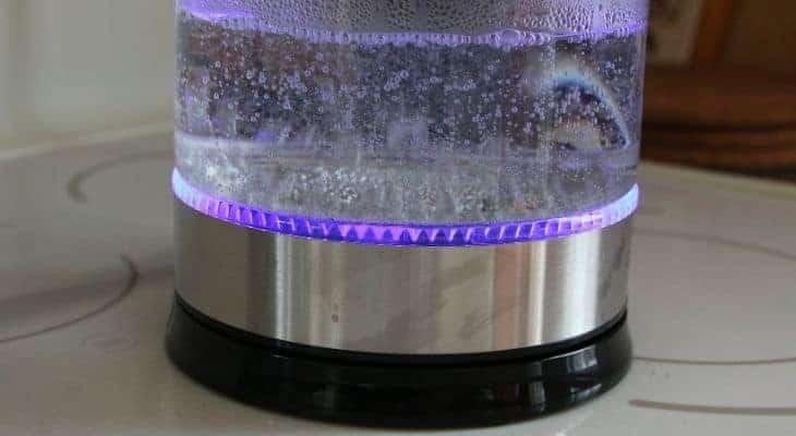 how does boil vinegar remove odors
